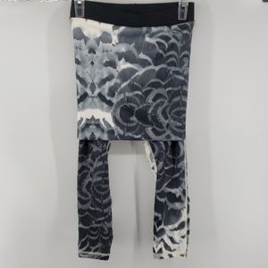 Lululemon Skirted Yoga Pants SZ 4